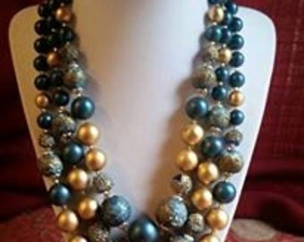 Vintage 3 strand necklace