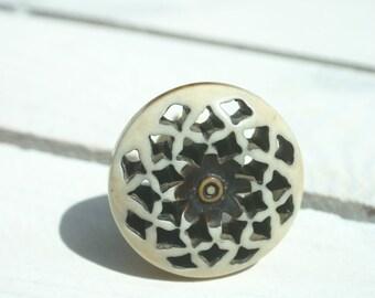 Round Fretwork  Draw Knob /Drawer Pulls / Dresser Knobs / Wardrobe  Handles