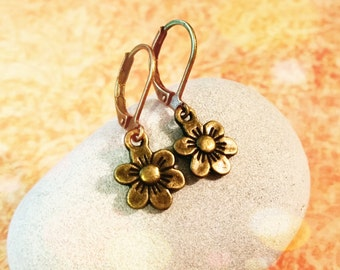 Vintage Flower Earrings / Boho Earrings / Vintage Earrings / Leverback Earrings / Bronze Earrings