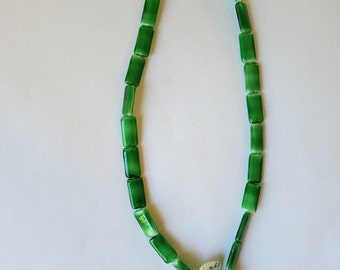 vintage german glass  green rectangle beads