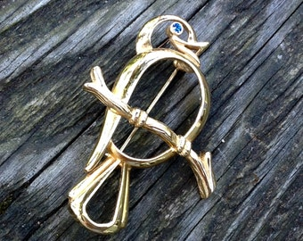 Sweet Vintage Gold Tone Bird Brooch