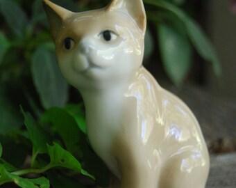 Ceramic kitten