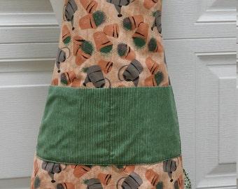 Ladies ruffled apron