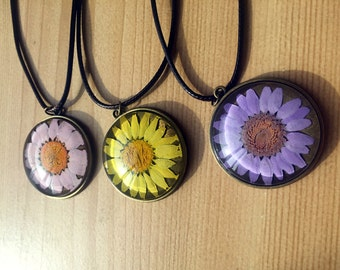 pressed flowers necklace, resin,real flowers necklace