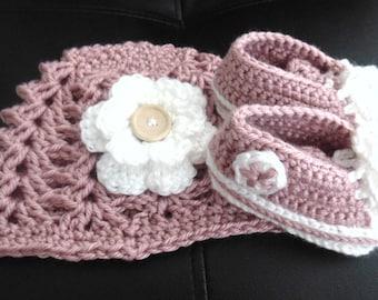Crochet Baby Girl Hat and Shoes Set, Baby Girl Beanie Hat and Shoes Set, Photography Prop, Baby Girl Gift