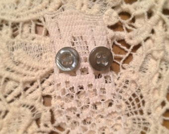 Vintage Button Earrings (Gray)