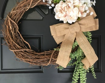 Neautral floral wreath