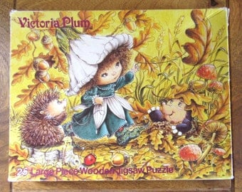 Victoria Plum 25 Piece Wooden Jigsaw Vintage 1981 by Hestair Puzzles