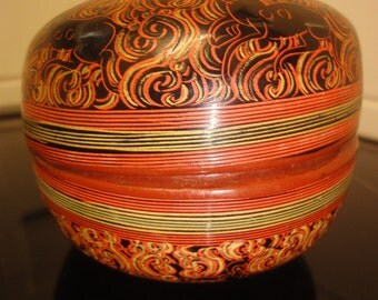 beautifull japanese round lided box
