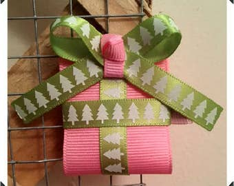 Light Pink Holiday Box Clippie