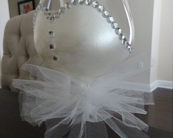Bridal/Bachelorette Wine Glass - for the bride-to-be!