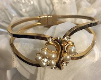 Vintage pearl and rhinestone gold tone cuff bracelet, costume jewelry bracelet, prom jewelry
