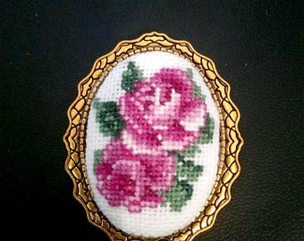 Embroidered jewelry brooch