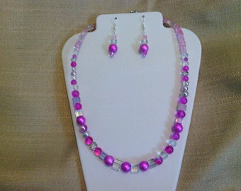 212 Pretty in Pink Beaded Necklace