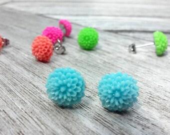 Flower earring // Blue Flower Earring // Resin earring // Blue mum earring // Gift for her //