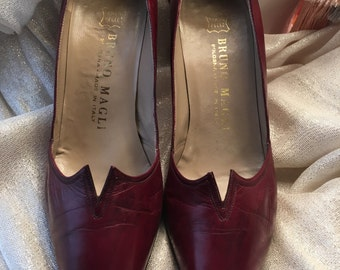 Vintage Bruno Magli, Made in Italy, Burgundy Pump Ladies Shoes, size 4 M