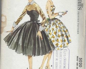 1959 Vintage Sewing Pattern B34 DRESS (1455) McCall's 5020