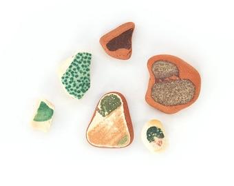 6x GREEN + TERRACOTTA SEAPOTTERY genuine English sea pottery sea china ocean porcelain green white + red italian mediterranean feel