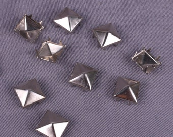Silver Metal Pyramid Square Stud 12mm - 50 Pieces (MS12SPDS-50)