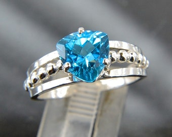 Vivid - Blue Topaz gemstone ring