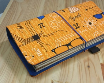 Orange Geekery   Travelers Notebook  Fauxdori  internal pockets pen loop