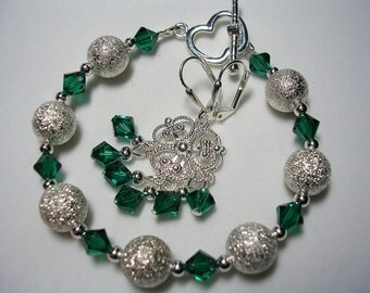 Stardust and Emerald Green Swarovski Bracelet and Earrings Green and Silver Bracelet Leverback Hooks Chanelier Earrings Toggle Clasp