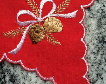Embroidered pinecone pointed star doily - 2 pieces