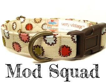 "Retro Vintage Inspired Floral Girl Dog Collar - Organic Cotton - Antique Brass Hardware - ""Mod Squad"""