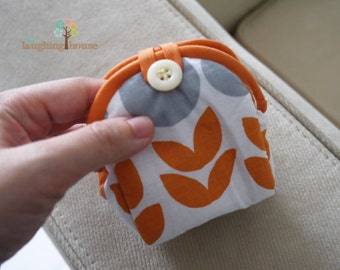 Paw-Me Coin Pouch (Rocky Shore in Poppy)