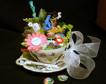 Wonderland Cake Topper, Wonderland Wedding, Alice in Wonderland, Alice Wedding Set, Wonderland Teacup Set