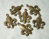10 Bronze Fleur De Lis Charms 17 x 22mm - 25 Percent Off Multiple Item Purchases (See Item Description)