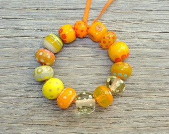 Orphan beads sale - Mostly yellows - Lampwork beads by Loupiac