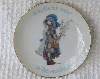 Vintage Holly Hobbie Small Decorative Plate - A Mother's smile is like sunshine