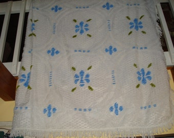 Chenille Bedspread, White and Blue, Twin/Double