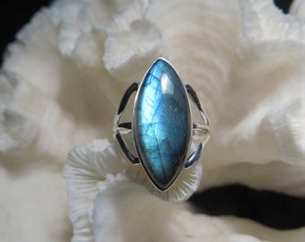 Beautiful Labradorite Ring Size 9.25