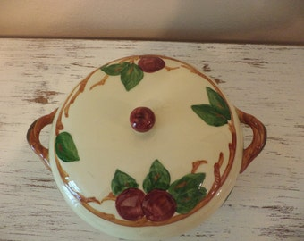 Vintage Franciscan apple dinnerware hand painted coveredd casserole or vegetable bowl made in USA