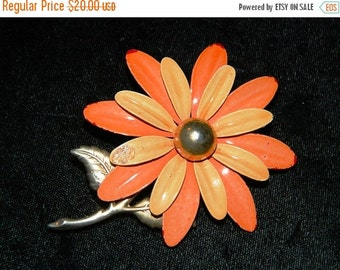 ON SALE Vintage Orange Daisy Flower Pin, Funky 1960's High Fashion Pin, Brooch, Spring Time Flower, Daisy