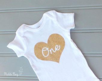 First Birthday Outfit Girl Bodysuit, Gold Glittery Bodysuit, First Birthday Shirt, Number One Bodysuit,  First Birthday Outfit, Cake Smash