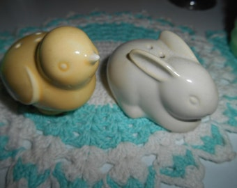 Vintage Hallmark Easter Salt Pepper Shakers Bunny and Chick