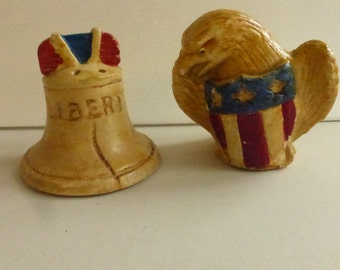 Vintage Mid Century Ceramic Americana Liberty Bell and Eagle Salt and Pepper Shakers