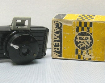 Vintage Bakelite Art Deco Kodak Bullet Camera for 127 Film with Original Box and Instructions  1936- 1942
