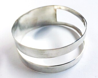Wide geometric brass bangle bracelet