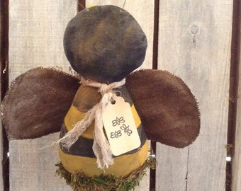 Primitive Grungy Bee Bobber Pattern