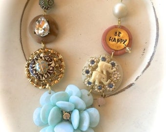 Be Happy floral necklace