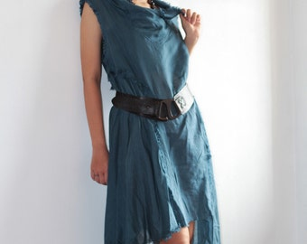 30 USD sale Never a dull Dress in 2 sizes, 22 colors