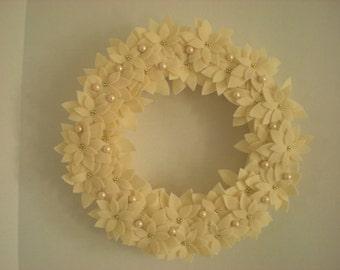 Wreath Poinsettia in Off White