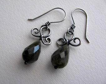 Labradorite Drop earrings, Handmade Sterling Silver Earrings, Charcole Gray Dange Earrings