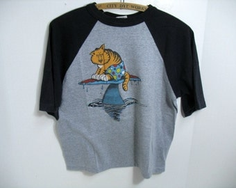 Vintage Sports Unlimited Bates Cat Surfboard Shark Surfing T-Shirt 1980s Super Shirts Jersey Style