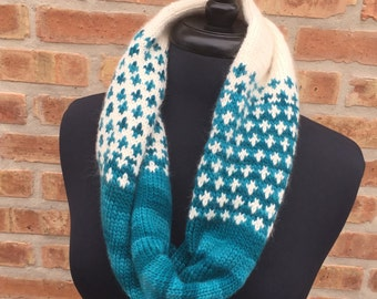 Hand Knit Cruces Cowl