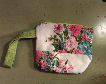Vintage  Fabric  Flowered  Zipper Pouch/Wristlet